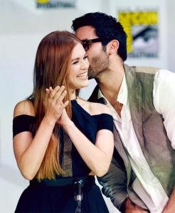 Тайлер Хэклин с девушкой